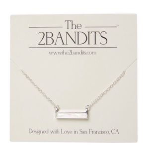 🌹NWT-THE 2BANDITS ATHENS NECKLACE